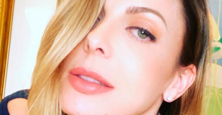 Sem maquiagem e filtros, Sheila ostentou rosto ao natural aos 41 anos; veja