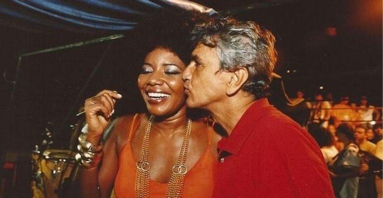 Nesta sexta-feira (7), o cantor completa 78 anos de idade e ganhou uma homenagem