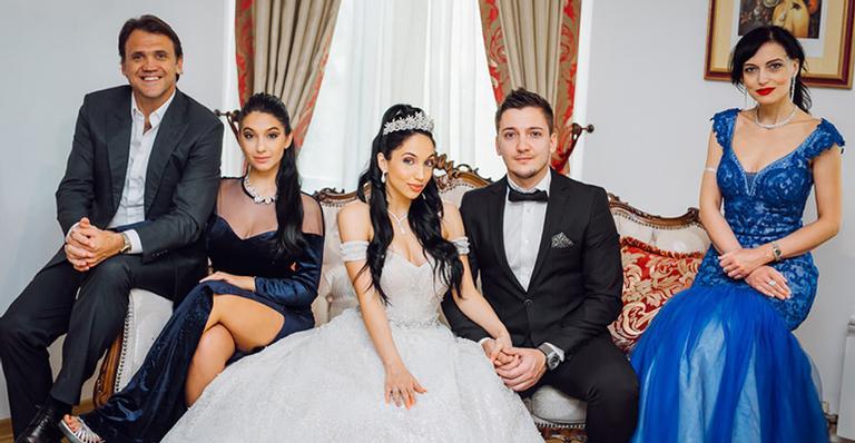 Comentarista do Grupo Globo casou a herdeira em cerimônia para poucos convidados, mas muito luxuosa