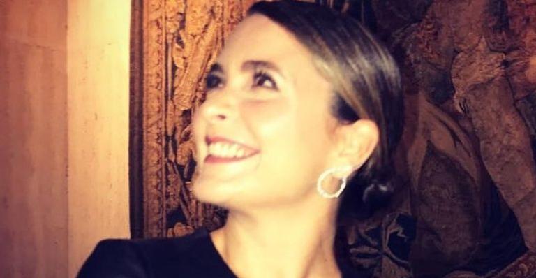 No Dia do Artista de Teatro, a atriz relembrou o início da carreira