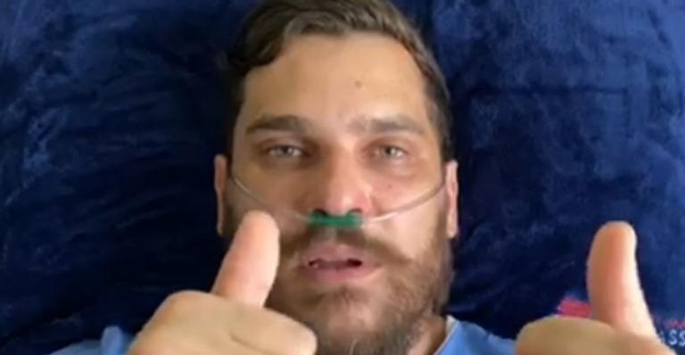 O cantor estava internado desde o dia 16 de agosto e chegou a ter 75% de seu pulmão comprometido