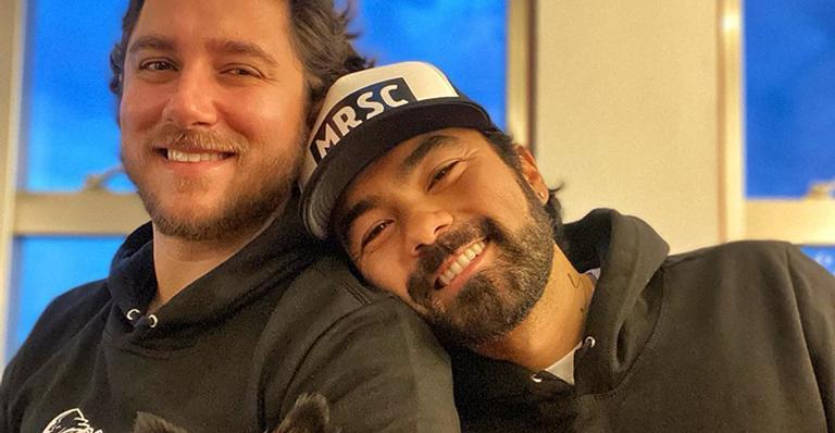 Mauro Sousa compartilhou um vídeo bem romântico com Rafael Piccin e deixou os seguidores morrendo de amores