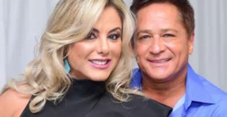 Poliana Rocha declarou todo amor pelo companheiro e conquistou a web com fotão