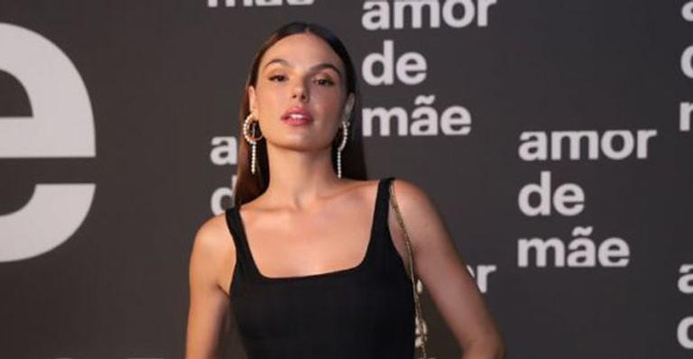 Colunista diz após pedido do diretor da novela, atriz se posicionou gerando um climão