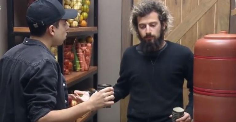 Peão acredita que o youtuber tenha tido a intenção de colocar Biel junto com ele na berlinda