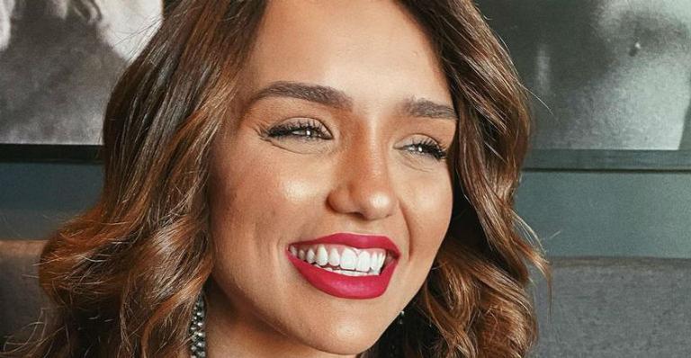 Ela não escondeu emoção ao gravar programa com o ex-apresentador do BBB, Pedro Bial