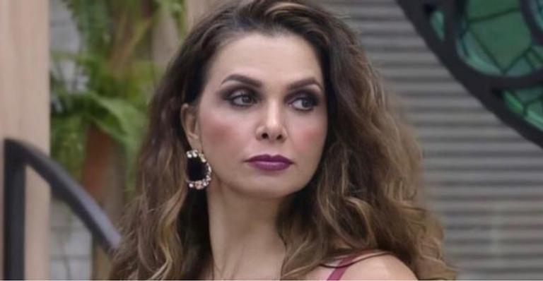 Sexta eliminada do reality, ex-peoa causa durante participação do programa 'Hora do Faro'