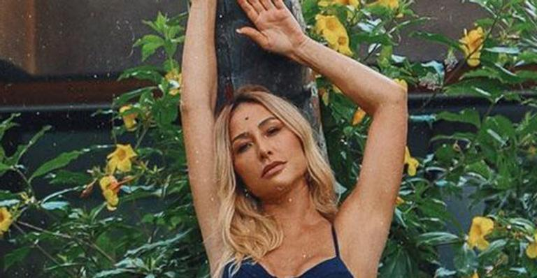 Dona de um corpo espetacular, apresentadora posou em clique bem ousado nas redes sociais