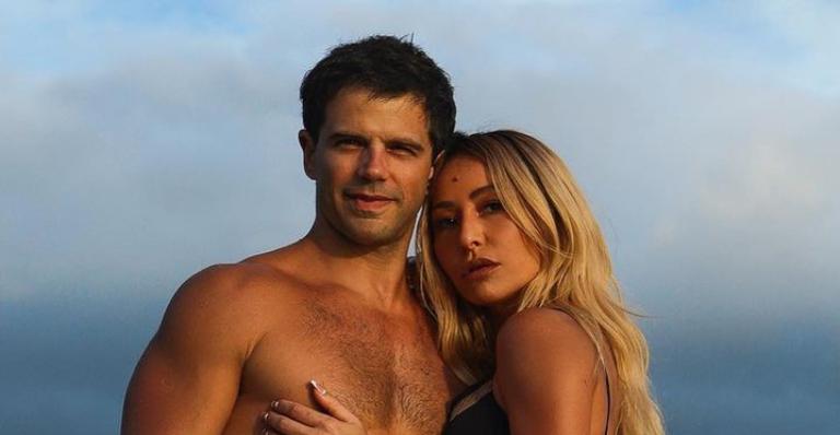 De sunga e biquíni, casal deu surra de beleza e colecionou suspiros pelo shape malhado