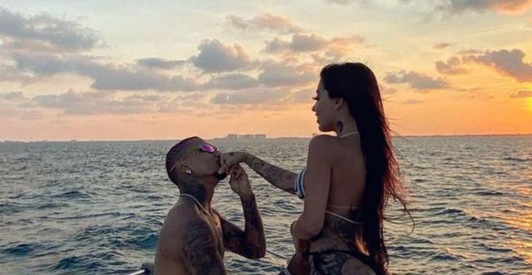Dynho Alves faz publicação para homenagear a ex e fãs do casal se empolgam
