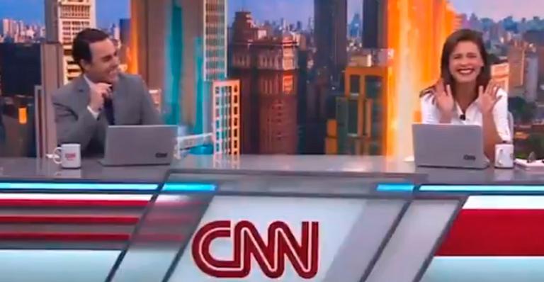 'CNN Novo Dia' começou com jornalistas tendo crise de riso; assista o vídeo
