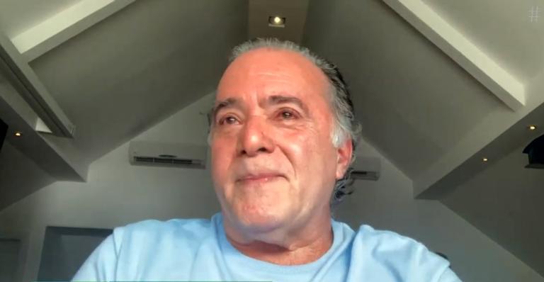 Durante o 'É de Casa', o ator foi surpreendido com um vídeo da amiga e não conteve as emoções