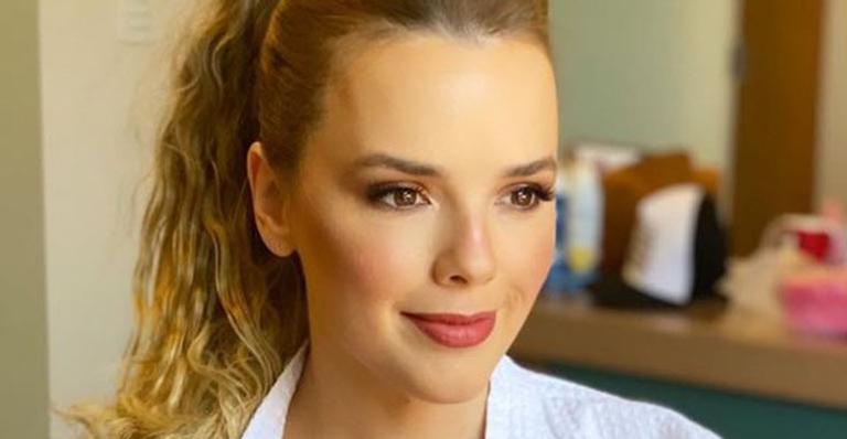 Em momento corajoso, cantora sertaneja fez um relato sem filtros da relação com empresário