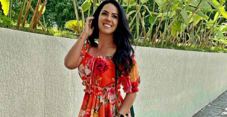 Em conversa com os fãs, esposa de Zezé Di Camargo conta que começou a trabalhar aos 14 anos