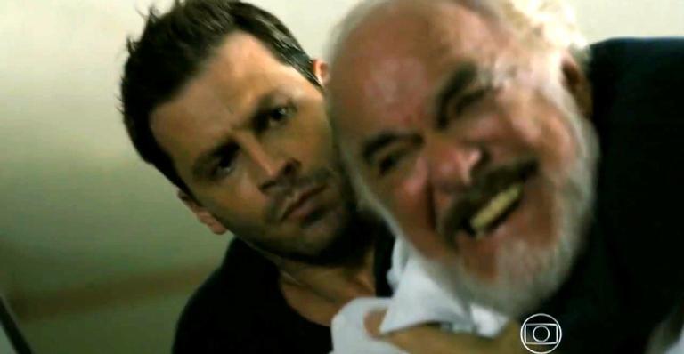 Arruda entra no quarto do idoso e dá de cara com o piloto à sua espera; saiba o que vai rolar!