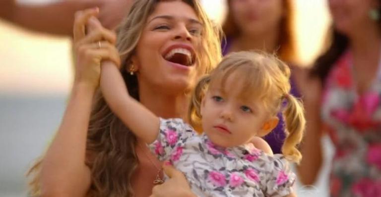 A mãe de Laurinha e Samuca terá a ajuda de pessoa inesperada e juiz decidirá que a menina deve ficar com a mãe; confira o que vai acontecer!