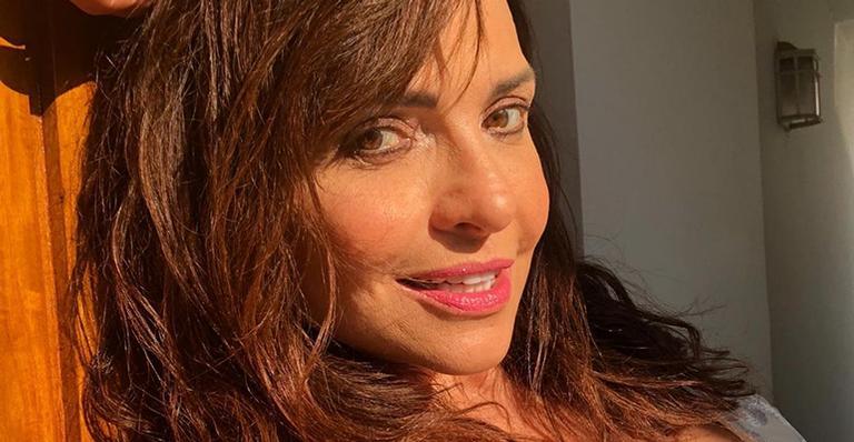 Aos 59 anos, a atriz afirmou que tem se privado das 'ficadas' para evitar contrair o novo coronavírus