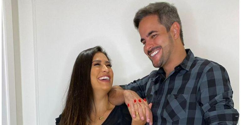 Só amor! Kaká Diniz troca olhares e sorrisos com a esposa e fãs se derretem