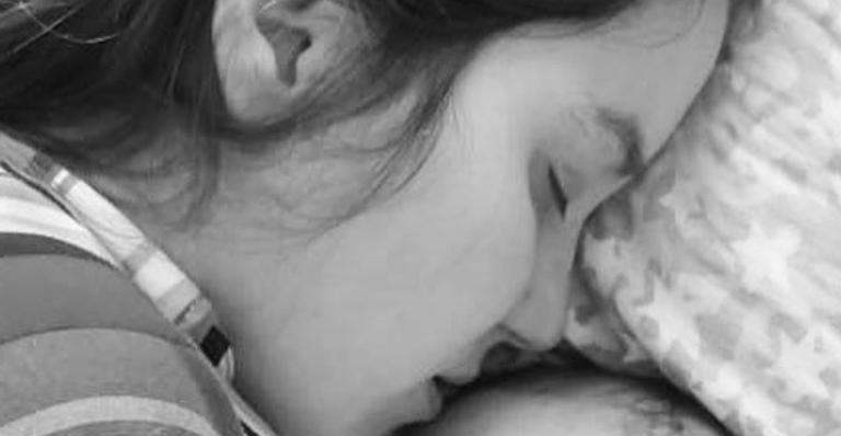 Avô de Eva se derrete com cena e registra momento comovente entre mãe e filha