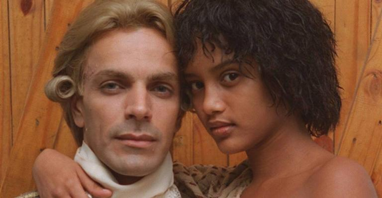 O ator é lembrado até hoje por interpretar o Contratador João Fernandes de Oliveira, par romântico de Taís Araújo na trama; confira!