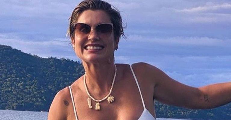 Exuberante, atriz da TV Globo mostrou que desconhece os efeitos do tempo aos 46 anos
